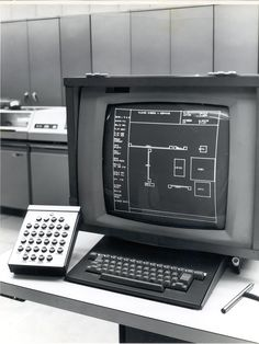 monochrome-monitor: Computer Aided Design of Integrated Circuits (CADIC) - 1967 Alter Computer, Home Computer, Computer Case, School Computers, Laptop Computers, Computer Technology, Computer Science, Diy Electronics, Information Technology