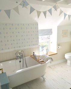 """474 Likes, 22 Comments - Pauline @hugsandhearts_ (@hugsandhearts_) on Instagram: """"Busy day doing kitchen renovation off to have a soak in the bath #cottage #countryhome…"""""""