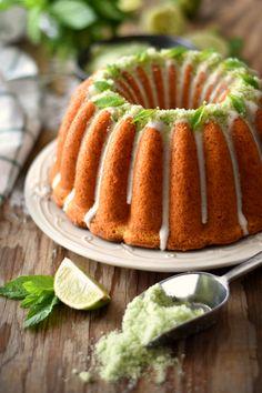 Coconut Mojito Bundt Cake, by Célio Cruz Bunt Cakes, Tea Cakes, Cupcake Cakes, Cupcakes, Sweet Recipes, Cake Recipes, Dessert Recipes, Desserts, Blueberry Loaf Cakes