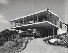 Lina Bo Bardi - Casa de Vidro, Sao Paulo 1951.