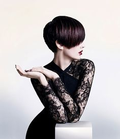 Pro tips on how to cut Asian hair the right way. No more awful haircuts by stylists who don't know how to deal with Asian hair. Love Hair, Great Hair, Short Hairstyles For Women, Bob Hairstyles, Short Haircuts, Dicker Pony, Corte Bob, Corte Y Color, My Hairstyle