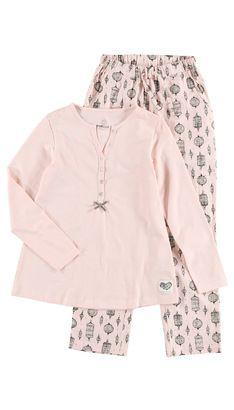 Undertøj-Nattøj  Hos POMPdeLUX laver vi undertøj og nattøj, som skal være lækkert at have på. Vi bruger derfor bløde materialer af høj kvalitet, som dit barn elsker at have på. Undertøj og nattøj skal dog ikke kun være praktisk, men også have et lækkert design. I kollektionen finder du både underbukser, hipsters, trusser, undertrøjer, natkjoler og pyjamas. Vores undertøj og nattøj går fra størrelse 80 cm til 152 cm, og der er masser af inspiration at hente til børnenes garderobe.: ...