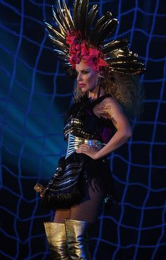 Kylie Minogue has been spotted in fishnets!