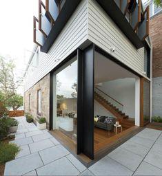 The Elliott Ripper House by Sydney-based Architect Christopher Polly