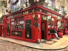 Surely a must-visit when you're in Dublin. Make sure to drink a pint of Guinness over some live-music. Temple Bar, Connemara, Roadtrip, Guinness, Live Music, Jukebox, Dublin, Hotels, Drinks