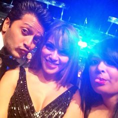 Bipasha Basu tweeted another one with Riteish Deshmukh and a friend at #IIFA Awards 2014. #Style #Bollywood #Fashion #Beauty #Selfie