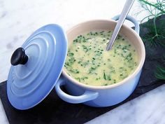 Beurre blanc - se & gör Aioli, Cheeseburger Chowder, Soups, Salsa, Food Ideas, Dressing, Beauty, Profile, Soup
