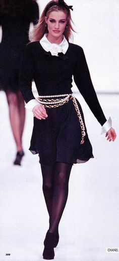 "Chanel ""Vintage"" Fashion Show details & more"