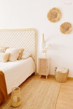 Ikea, Warm Bedroom, Room Goals, Luxury Houses, Boho Chic, Furniture, Home Decor, Dining Room Tables, House Interiors