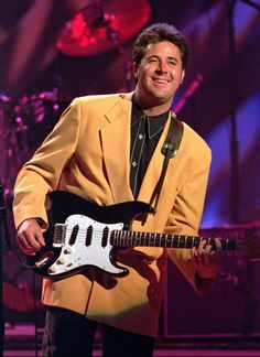 Country singer Vince Gill belts out a ballad during a appearance at the Myriad in downtown Oklahoma City. (Staff Photo by Roger Klock) Best Country Singers, Best Country Music, Country Music Awards, Country Music Artists, 80s Country, Funeral Songs, Country Music Association, Vince Gill, Cool Countries
