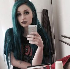 Caring For Colored Hair, Dark Makeup, Alternative Girls, Beautiful Soul, Hair Color, Selfie, Beauty, Style, Swag