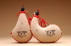 Bota de vino Pamplona es famoso para las botas de vino. Ernest Hemingway escribió sobre estos.