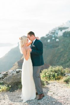 Santorini magic: http://www.stylemepretty.com/destination-weddings/2015/07/06/breathtakingly-beautiful-romantic-santorini-elopement/ | Photography: Anna Roussos - http://www.annaroussos.com/