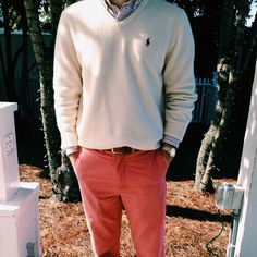 good transition look from winter to spring or summer to fall... nantucket red pants, oatmeal v-neck, and a button down with red woven in.
