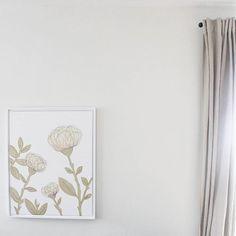 White & Gold Artwork on White Walls Instagram Feed, Instagram Posts, White Walls, Staging, Florals, White Gold, House Design, Cream, Artwork