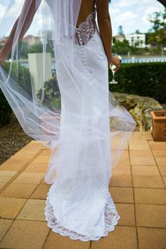 Leonard Derecourt - Slip - White - Size 8 wedding dress for sale in Ashmore, Queensland | Still White Australia
