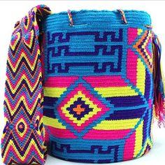 Buy this stunning Wayuu Mochila now at www.mobolso.com | ✉️ mobolso@bigpond.com | WhatsApp +61 405725378 |