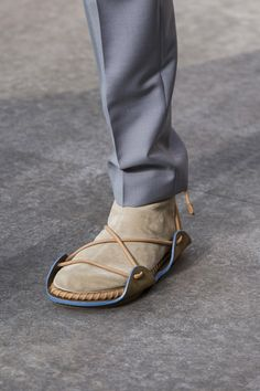 Salvatore Ferragamo Men's Spring 2020 Fashion Show. See all of the shoes and bags from Paul Andrew's Spring 2020 Men's runway show in Florence Tabi Shoes, Men's Shoes, Shoe Boots, New Sneakers, Casual Sneakers, Gucci Mane, Crazy Shoes, Looks Cool, Summer Shoes