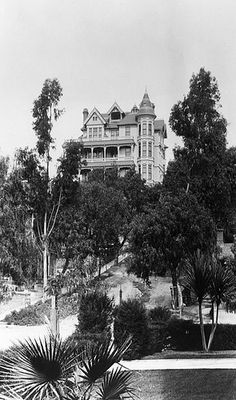Crocker Mansion, 300 South Olive, Bunker Hill, Downtown Los Angeles. Circa 1890. Porter Ashe kidnapped his daughter, Gladys, from the mansion in 1887, as his marriage with Aimee disolved. Terrible battle, amazing Victorian mansion.