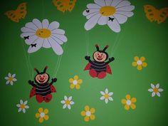 2x Fensterbild aus Tonkarton , Marienkäfer Glückskäfer Blumen Fallschirmspringer FOR SALE • EUR 12,50 • See Photos! Money Back Guarantee. hier biete ich : ein Fenster voll mit guter Laune :-)))) liebevoll von beiden Seiten bebastelt und coloriert Maße : von den Füßchen bis zum Blütenschirm ca. 31 cm die 282402798257