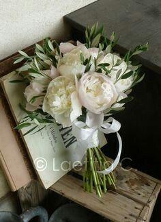Bouquet olivier et pivoine