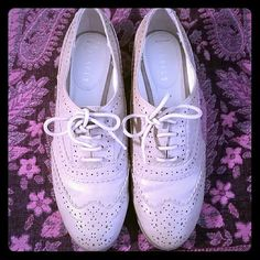 OXFORDS NIB Look so cute with skinny jeans rolled up. nickels  Shoes Flats & Loafers
