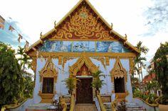 Qué ver y qué hacer en Pakse - Laos Pakse, Barcelona Cathedral, Html, Temple, Cabin, House Styles, Building, Travel, Exploring