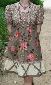 Achei este vestidinho da Serendipity Studio Bebe Dress muito bom para aproveitar tecidos. Fiz a modelagem do 36 ao 56.