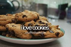 Chocolet Chip are my fav! Who dosent like cookies?