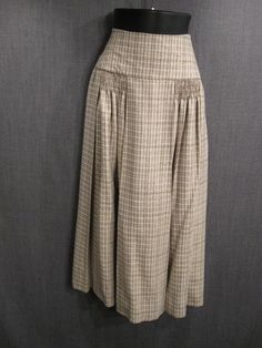Image result for 1920s skirts Radium Girls, Retro Fashion, Vintage Fashion, Vintage Style, 1920s Costume, 1920 Women, Fashion Catalogue, Blouse And Skirt, Retro Dress