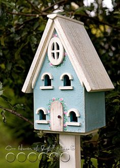 Before & After make-over of a standing birdhouse.