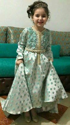 Indian Dresses, Indian Outfits, Blue Dresses, Arab Men Fashion, Kids Fashion, Dresses Kids Girl, Kids Outfits, Caftan Gallery, Dress Anak