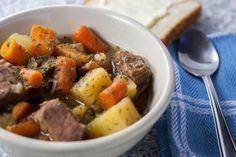Instant Pot beef stew offers you all the flavor you get in slow simmering your stew in just an hour. Real food ingredients, fast - no more takeout! Instant Pot Pressure Cooker, Pressure Cooker Recipes, Pressure Cooking, Instapot Beef Stew, Quick Beef Stew, Potted Beef Recipe, Crock Pot Slow Cooker, Beef Recipes, Dinner