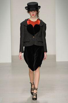 ヴィヴィアン・ウエストウッド レッドレーベル(Vivienne Westwood Red Label) 2014-15年秋冬コレクション Gallery25 - ファッションプレス