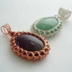 Circles Reversible Bezel Pendant Wire Jewelry by Abbyjewellery Wire Pendant, Wire Wrapped Pendant, Wire Wrapped Jewelry, Wire Jewelry, Jewelery, Handmade Jewelry, Bijoux Fil Aluminium, Chain Nose Pliers, Wire Weaving