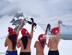 Topless girls poses as they take part in 'The Topless Tour' in front of Jungfrau mountains on September 2014 in Switzerland. Ski Girl, Sport Girl, Mikaela Shiffrin, Snowboard Girl, Dirt Bike Girl, Snow Pictures, Ski Posters, Snow Fun, Iconic Photos