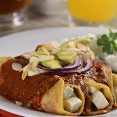 Enchiladas de Chile Pasilla Rellenas de Queso Panela