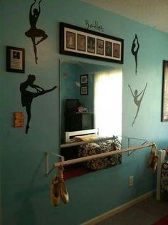 Ballet barre in my daughter's bedroom. Girls Dance Bedroom, Ballerina Bedroom, Dance Rooms, Billard Bar, Home Dance Studio, Ballet Barre, Little Girl Rooms, Interior Exterior, My New Room