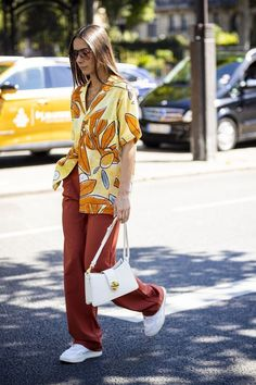 Men street styles 842313936539802339 - Street Style : Paris Fashion Week – Menswear Spring/Summer 2020 : Day Four Source by Casual Street Style, Look Street Style, Street Style Trends, Paris Street Style Summer, Summer Street Wear, Fashion Weeks, Fashion 2020, Look Fashion, Mens Fashion
