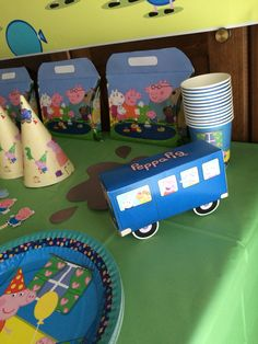 Peppa's party bus!