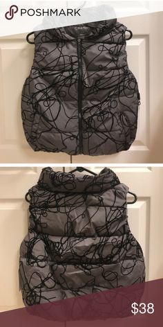 NWT grey scribble Calvin Klein vest size M    NWT NWT grey scribble Calvin Klein vest size M    NWT Calvin Klein Jackets & Coats Vests
