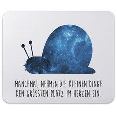 Mauspad Druck Schnecke aus Naturkautschuk  black - Das Original von Mr. & Mrs. Panda.  Ein wunderschönes Mouse Pad der Marke Mr. & Mrs. Panda. Alle Motive werden liebevoll gestaltet und in unserer Manufaktur in Norddeutschland per Hand auf die Mouse Pads aufgebracht.    Über unser Motiv Schnecke  ##MOTIVES_DESCRIPTION##    Verwendete Materialien  ##MATERIALS_DESCRIPTION##    Über Mr. & Mrs. Panda  Mr. & Mrs. Panda - das sind wir - ein junges Pärchen aus dem Norden Deutschlands. In unserer…