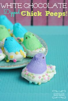 Be sure to check out this White Chocolate Dipped Chick Peeps Recipe! This is a fun Easter Treat for you and your kids! Plus, easy to give as gifts!