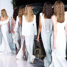 Effortlessly Chic with Invisiblewear from Rachel Zoe's 2018 Fashion Show - Wise Curls - Natural Curls to Life New Launch, Natural Curls, Rachel Zoe, Fashion Stylist, Trendy Hairstyles, Hair Looks, Hair Care, Fashion Show, Stylists