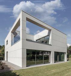 Optibuild arch. Modern home in Belgium. EQUITONE [tectiva] TE00 facade panels. equitone.com