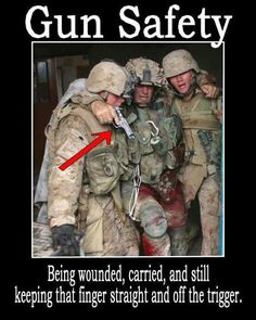 American Heroes helping soldier in need. Helping one another out, even when not asked is selfless and a characteristic of a hero. Most Famous Memes, Support Our Troops, Real Hero, Military Life, Military Humor, Army Life, Military Quotes, Army Mom, Military Families