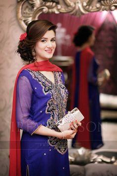 Skits Copy similar style for Nineveh Pakistani Wedding Outfits, Pakistani Dresses, Indian Dresses, Indian Outfits, Simple Dresses, Beautiful Dresses, Nice Dresses, Wedding Dresses For Girls, Girls Dresses