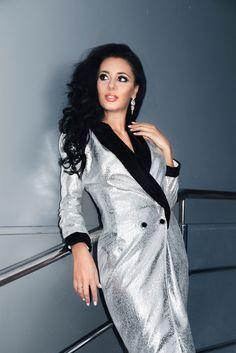 The new Atelier Iora Fall Capsule #atelieriora #adrianradudesigner #ioraatelier #ioraatelierpitesti #atelieriorapitesti #atelieriorabrand #atelierioracasademoda #casademoda #clothingbrand #womenswear #fashion2018 #f2018 #fashionweek #dress #dressbyadrianradu #atelieriorabyadrianradu #fall2018 #fashion #fashionblogger #blogger #fashionista #greydress #black #blackvelvet #classy #elegant