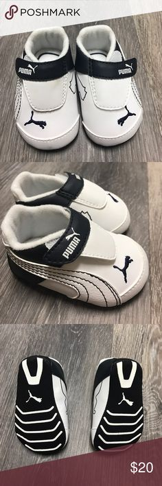 659a9d41629b Baby Puma Sneakers NWT Future Cat L Crib baby sneakers. WHITE WITH NAVY  DETAILS Puma