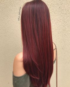 33 trendy ombre hair color ideas of 2019 - Hairstyles Trends Red Ombre Hair, Dark Red Hair, Ombre Hair Color, Wine Hair, Beautiful Hair Color, Auburn Hair, Fall Hair, Hair Looks, Pretty Hairstyles